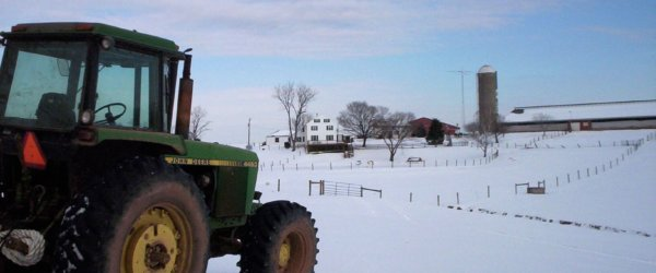 John Deere 4450 in Snow